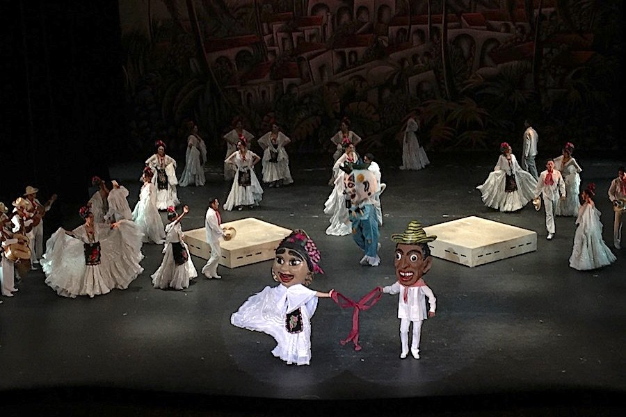 Mexico City Folkloric Ballet - Why Travelers Should Join Art Nonprofits Today