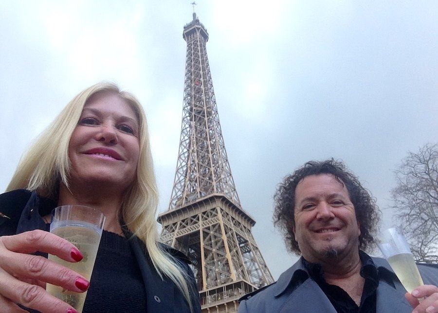 Eiffel Tower: Top 25 Outdoor Locations to Take a Selfie Now