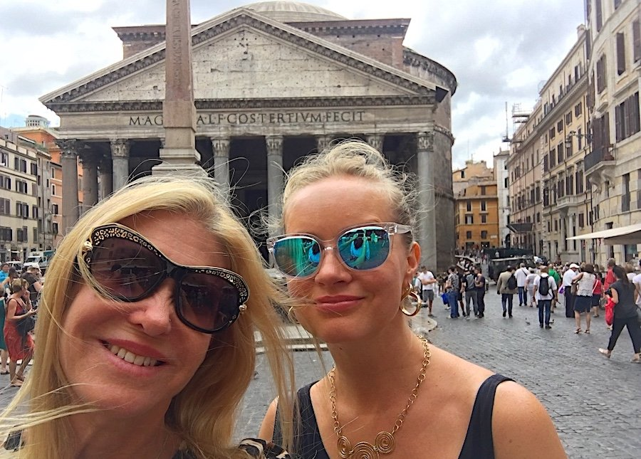Pantheon: Top 25 Outdoor Locations to Take a Selfie Now